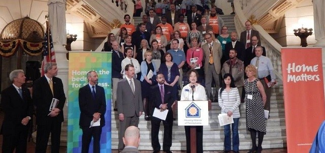 The Housing Alliance of Pennsylvania rallies in Harrisburg with PHARE supporters and legislative champions.