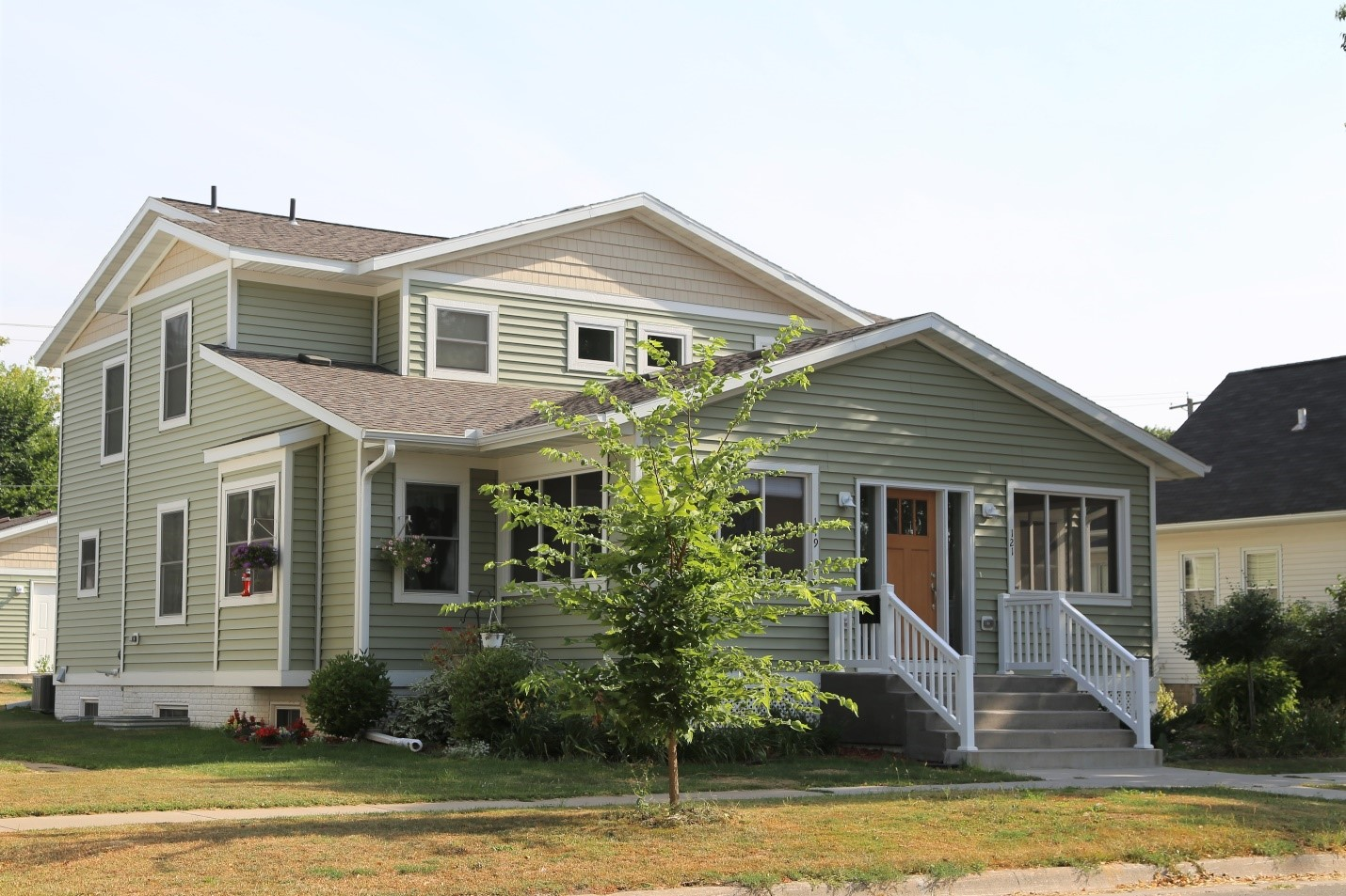With one apartment affordable at 80% AMI and one apartment at market rate, this Red Wing, Minnesota duplex is an example of how local housing trust fund investments can be utilized to create affordable options that suit the local community.